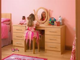 Just what every little 'princess' dreams of .... her own grown up dressing table with matching head board to complete the look.  Please see the photo for matching wardrobes!