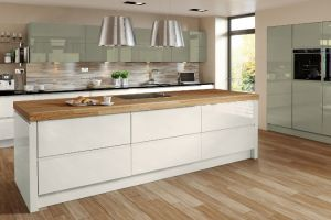 In a choice of high gloss colours, shown here in the latest colours of willow & cream, with feature large 'pan drawers' and no obtrusive handles resulting in a cutting edge Contemporary style kitchen.
